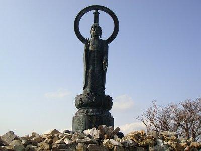 釈迦の像の正面