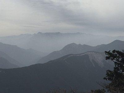 大峰山脈アップ