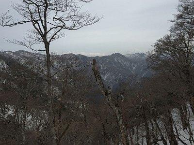 下山時は檜塚方面が望めた