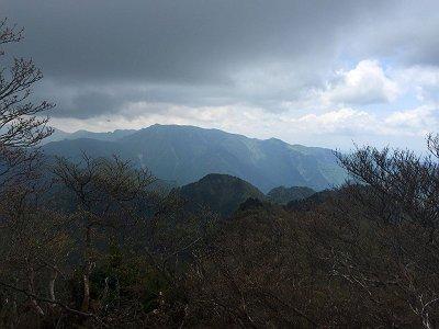 大普賢岳の山頂より弥山~八経ヶ岳