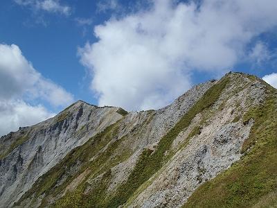大山の稜線を振り返る。これが大山の魅力でしょう!