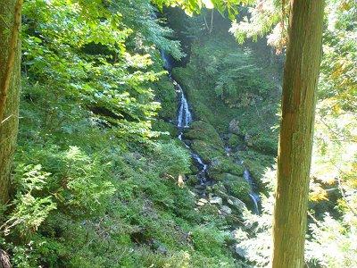 明神滝。というか、冬いったとき凍ってたのかわからなかった