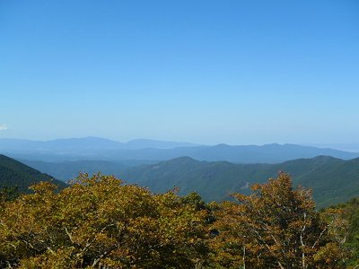 金剛山と大和葛城山もみえた。薄っすらと右手のほうに飛び出したハルカスが見えた