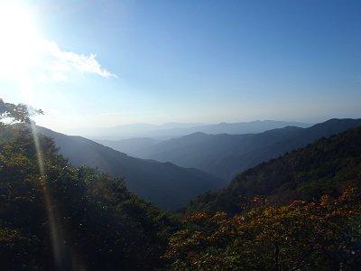 西日なのか、金剛山・葛城山方面は霞んで見える。立体感はあるのでこっちほうが好きだ