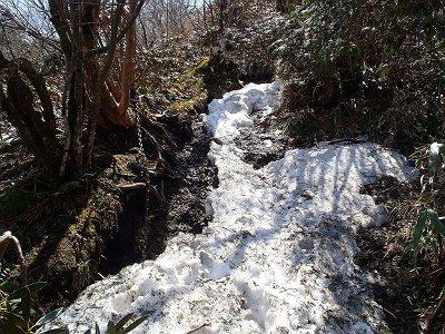 積雪がある急登は登りにくい