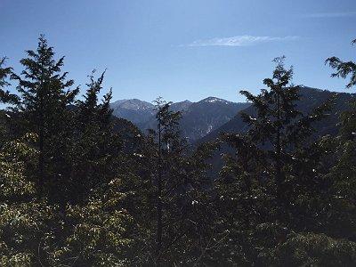第一展望台から八経ヶ岳、弥山