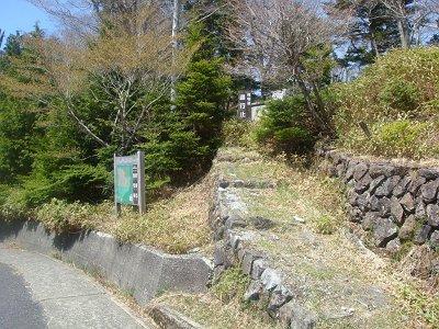 大台ケ原駐車場から1kmほど手前の川上辻から入山。筏場道は通行止めらしい