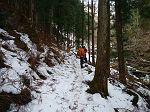 この付近は結構雪が凍ってるところがあって右へ落ちるとヤバイところが結構あった