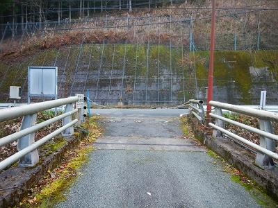 和田変電所の入り口まで下りてきた。本日もお疲れ様でした
