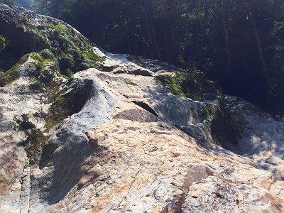 2段10Mの滝を巻く